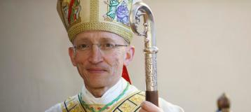 Present Bishop of Chichester Martin Warner